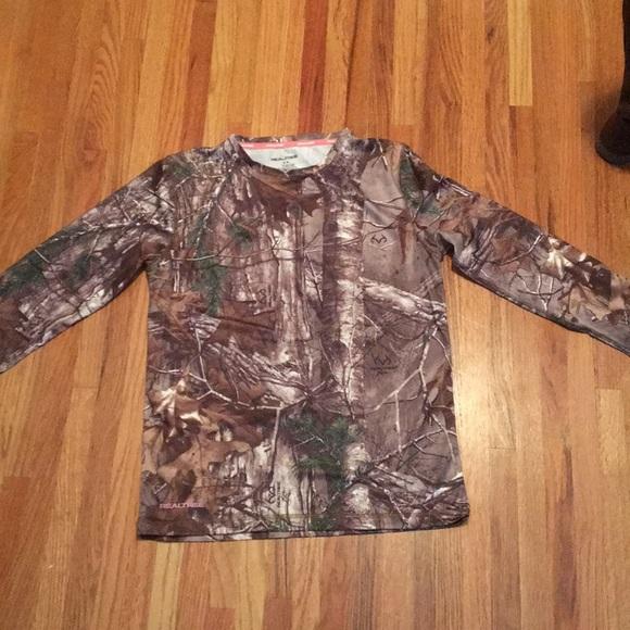 ea9bfc00fd596 NWOT Women's Fitted Realtree Camo longsleeve shirt.  M_5a3845ac739d48c31f006fd6